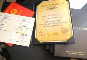 Tấm chứng chỉ tốt nghiệp nói nên thành quả của sự cố gắng rèn luyện trong suốt khóa học